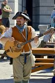 Man re-enacting New France period