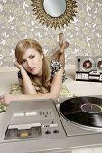 Audiophile mulher Retro Vinyl Turntable música