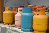 Color gas cylinders