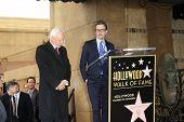 LOS ANGELES, CA - 16 de MAR: Malcolm McDowell, Gary Oldman en una ceremonia donde Malcolm McDowell es hono