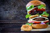 Juicy Cheeseburger