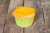 Gold Egg Yolks Thread Cupcake
