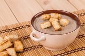 pic of peas  - Pea soup with crouton close up - JPG