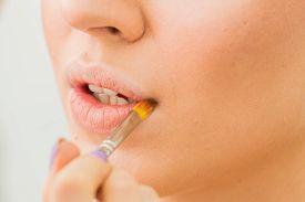 image of lip  - Make up process - JPG