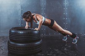 picture of pilates  - Sportswoman - JPG