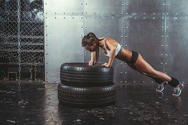 picture of fitness  - Sportswoman - JPG