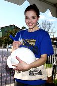 LOS ANGELES - FEB 9:  Jen Lilley at the 4th General Hospital Habitat for Humanity Fan Build Day at t