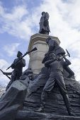picture of iwo  - Monument to war of 1854 in Sevastopol a monument to general Totleben - JPG