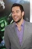 LOS ANGELES - JUNE 15: Zachary Levi at the premiere of Warner Bros. Pictures' 'Green Lantern' held at Grauman's Chinese Theatre in Los Angeles,CA on June 15, 2011.