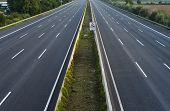empty 8-lane-highway