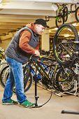 picture of bicycle gear  - Bike maintenance - JPG