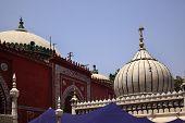 Nizamuddin Complex Mosque Grave New Delhi India