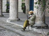 Hombre espera