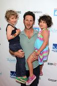 LOS ANGELES - APR 27:  Mark Feuerstein, Frisco Feuerstein, Addie Feuerstein at the Milk + Bookies St