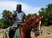 Solicitando sua espada do cavaleiro