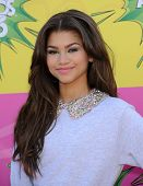 LOS ANGELES - MARCH 23:  Zendaya Coleman arrives to the Kid's Choice Awards 2013  on March 23, 2013