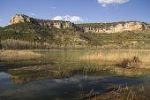 Estanque en el parque de la gama de Cuenca
