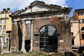 The Porticus Octaviae.