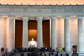 image of abraham lincoln memorial  - Lincoln Memorial at night  - JPG