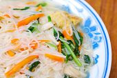 Simple Chinese Noodles With Vegetables