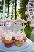 image of ombres  - Dessert table for a party - JPG