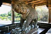 Santuário de Varaha, pequeno santuário aberto dedicado ao irnacation de javali de Vishnu, Western Group, Khajuraho, Ma