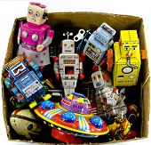 picture of tin man  - old tin toys - JPG
