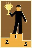 Постер, плакат: Человек стоявший на подиуме с первое место трофей