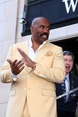LOS ANGELES - MAY 13:  Steve Harvey at the Steve Harvey Hollywood Walk of Fame Star Ceremony at the
