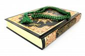 picture of quran  - Quran with rosary in front of white background - JPG