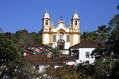 Igreja da aldeia típica de Tiradentes, em minas gerais no Brasil