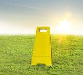 image of slip hazard  - Sign skid - JPG