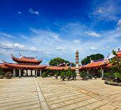 Portões do Mosteiro de Shuang Lin Lian Shan, Singapura