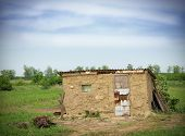 picture of mud-hut  - poor house - JPG