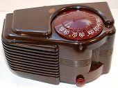 Machine Age Art Deco Tube Radio (1939).