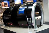 Enormous Unique Size Zeiss Lens At Photokina 2008
