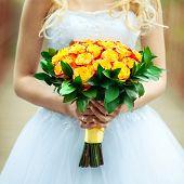 Amarilla ramo de novia