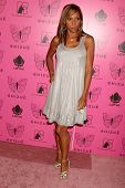 Holly Robinson Peete Dave Edwards/DailyCeleb.com 818-249-499 at the Grand Opening of Shizue Boutique