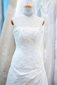pic of dress mannequin  - The wedding fashionable dress and the jewelry - JPG