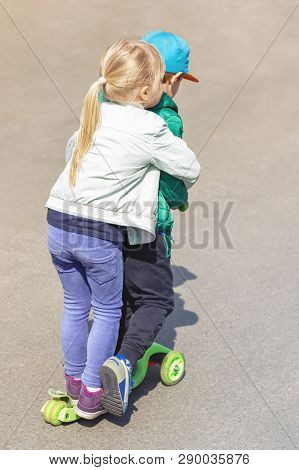 Two Frineds Boy And Girl