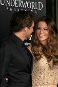 LOS ANGELES - JAN 19:  Len Wiseman, Kate Beckinsale. arrives at  the