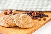 picture of baked raisin cookies  - Gluten - JPG