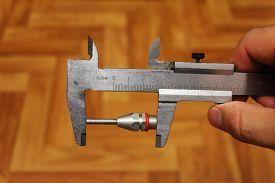 picture of vernier-caliper  - Nozzle on the compressor measurement vernier caliper - JPG
