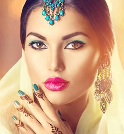 picture of indian  - Beauty brunette Indian woman portrait - JPG