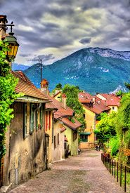 picture of annecy  - Street in the old town of Annecy - France ** Note: Soft Focus at 100%, best at smaller sizes - JPG