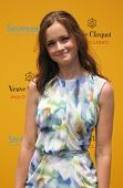 NEW YORK - Juni 26: Schauspielerin Alexis Bledel beachtet die Veuve Clicquot Polo Classic am Governor's Isla