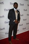 NEW YORK - Dezember 6: Schauspieler Isaiah Johnson besucht The Face of Tisch Gala in Frederick P. Rose Hall