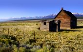 picture of farm-house  - Old rustic farm house in Colorado rocky mountains - JPG