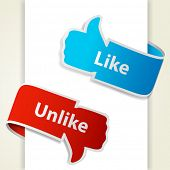 Pero a diferencia de los iconos. Pulgar para arriba y el pulgar hacia abajo hacia los blogs y sitios Web. Vector eps10 illustrati