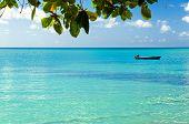 Barco azul horizonte